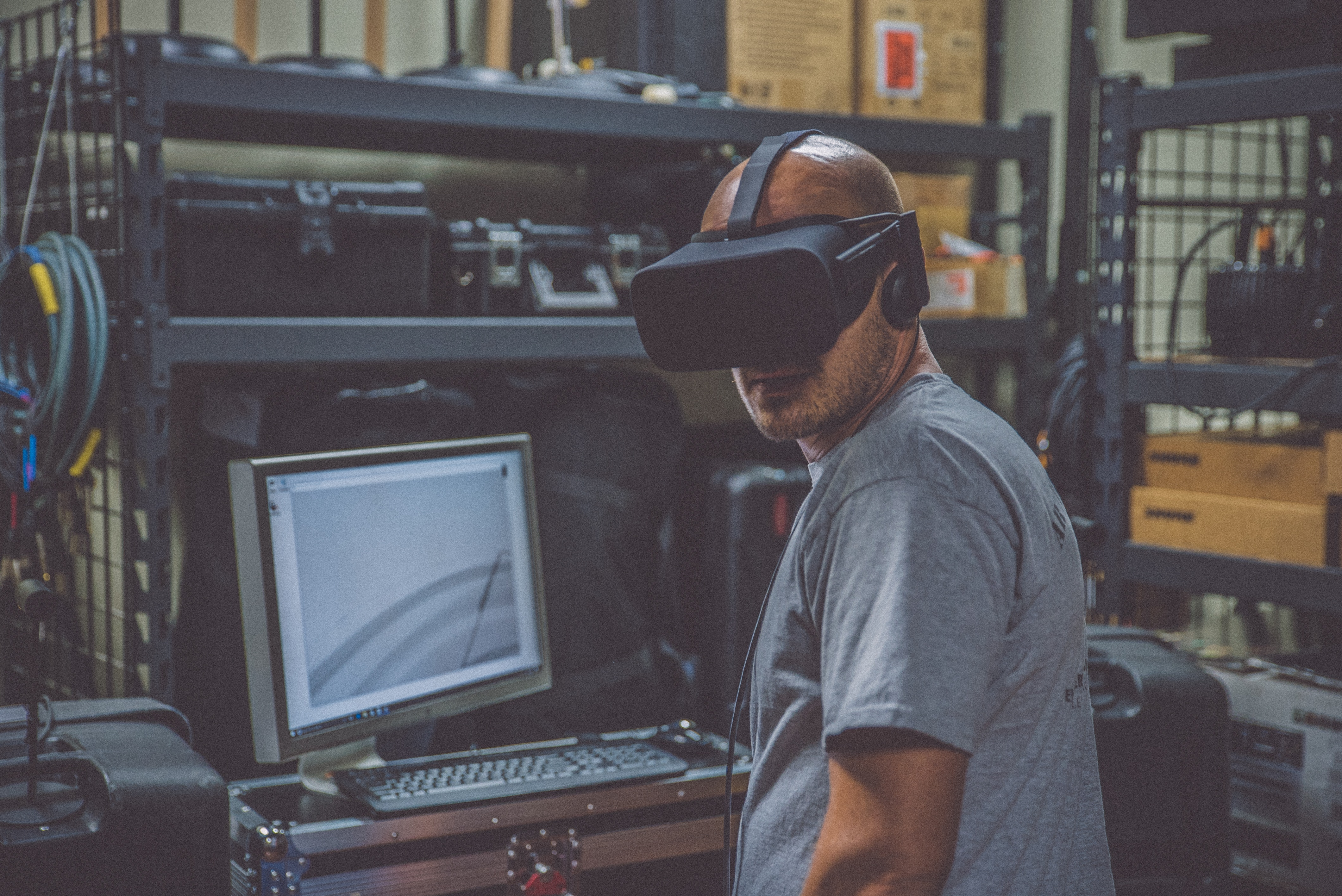 07288b9da21a It s hard for many to imagine tech like virtual reality (VR) and artificial  reality (AR) being used anywhere but the world of entertainment and video  games.